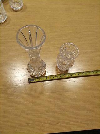 lote de dos jarrones de cristal