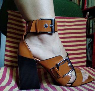 Zapatos/Sandalia 38 con Tacón Formal Zara