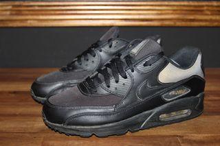 Nike AirMax 90 Negro/Oro