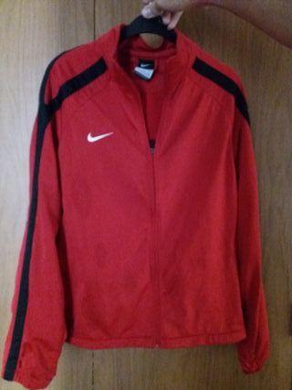 chaqueta Nike roja perfecto estado