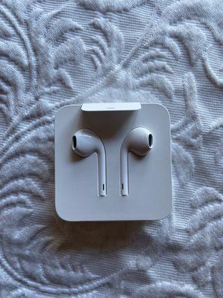 Auriculares Apple.