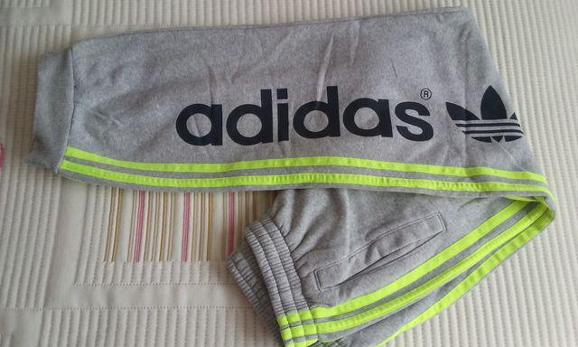 Pantalón ADIDAS T.S *COMO NUEVO*