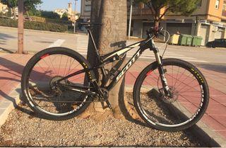 Bicicleta BTT Scott spark 910 doble y carbono 29