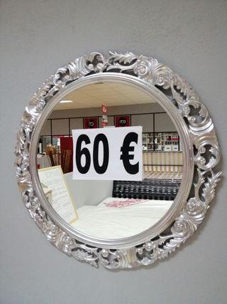espejo color plata diseño