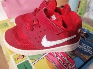 zapatillas Nike niño/a número 25