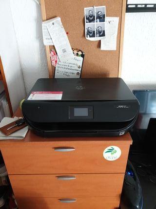 impresora a color HP envy 4527