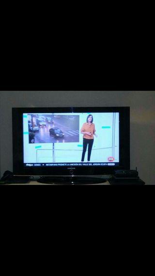 """televisión LCD samsumg 37"""""""