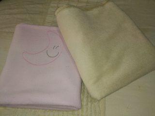 2 mantas de cuna