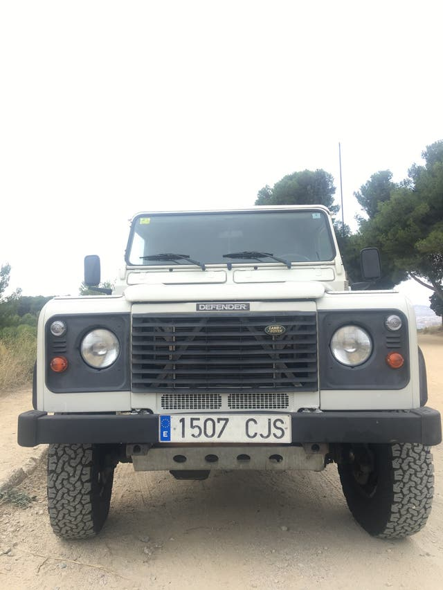 Land Rover Defender 2003