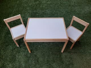 Mesa y Sillas IKEA infantil