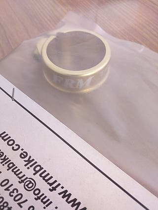 Abrazadera sillin FRM 31.8
