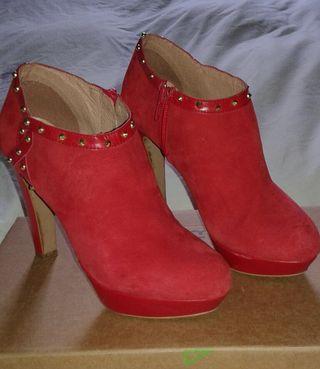 zapato rojo tacón
