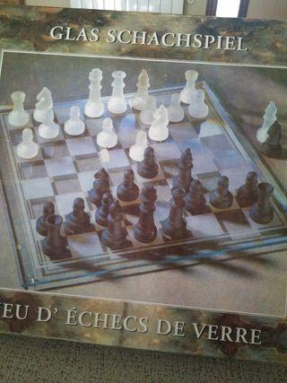 juego de mesa ajedrez de cristal
