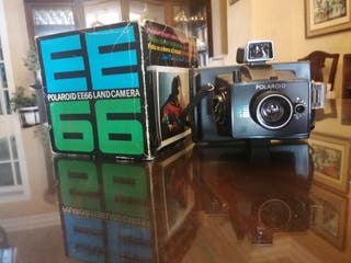 POLAROID EE66 LAND CAMERA