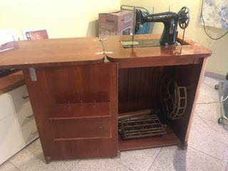 Máquina de coser sigma tiene 90 años