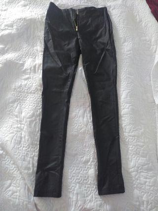 Pantalón (imitación cuero)