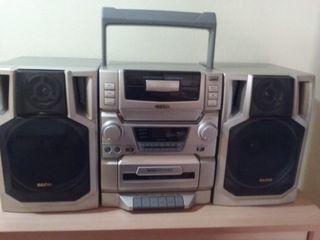 Radio Cassette con CD SANYO Vintage
