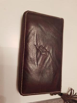 Cartera piel billetera casi nueva . Plata de palo