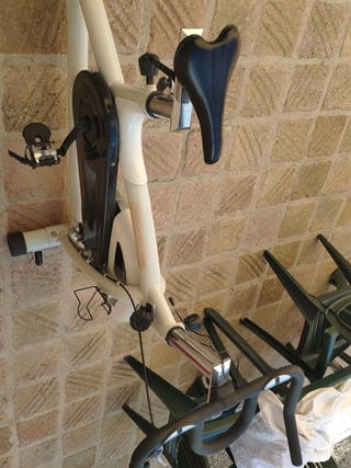 bicicleta indoor estática Enebe Fitness