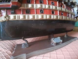 maqueta galeón 107 cm de alto, 88 cm de ancho