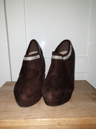 botín marrón 38