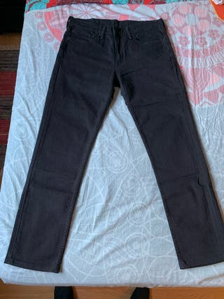 Pantalón Levis 511 negro