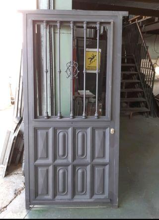 Puerta de forja metálica de liquidación