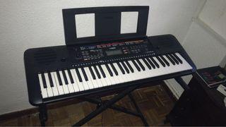 Piano Yamaha PSRE263 + Soporte