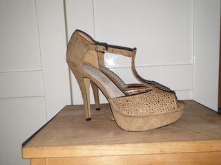 sandalia /zapato tacón 39