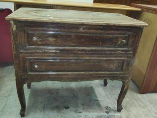 Mueble antiguo para restaurar