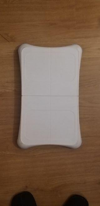 Tabla Wii+ juego wii fit+ fundas