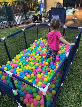 Alquiler de piscina de bolas
