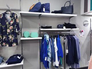 mobiliario tienda de ropa