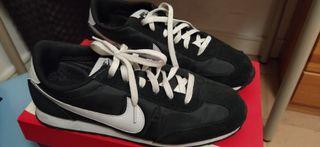 bambas Nike negras
