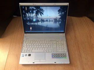 Portátil LG E500