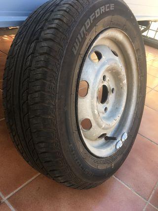 2 Neumáticos nuevos 165/70R13 79T.