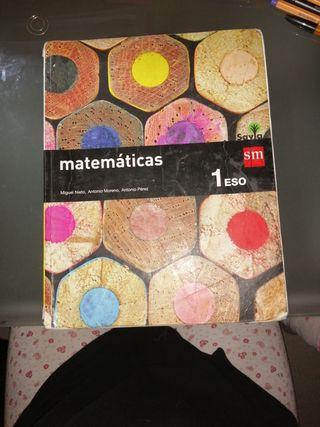 Libro de matemáticas.