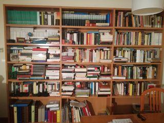 Estanterías para libros y CDs