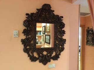 Gran espejo de madera maziza