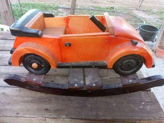 Balancín coche de madera