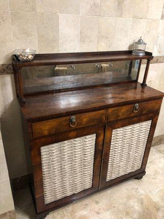Mueble antiguo.