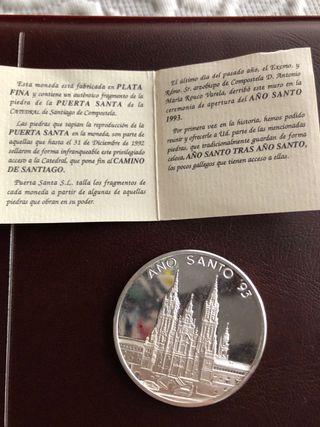 Moneda plata año santo 93