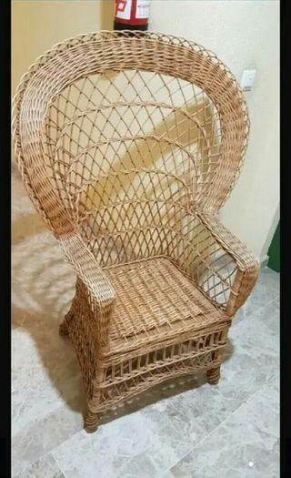 silla trono de mimbre muy nueva