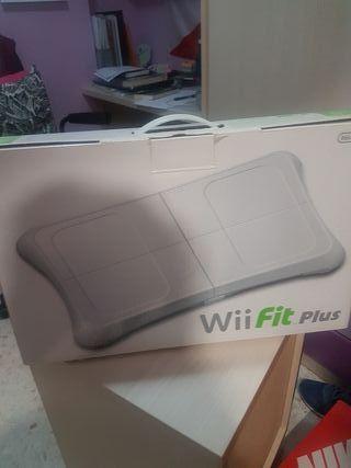 Tabla Wii Fit Plus + juego de la misma