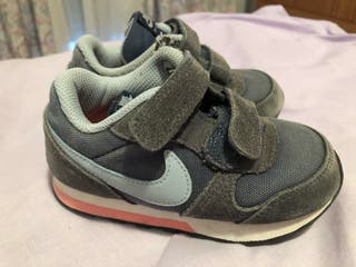 Zapatillas Nike talla 25