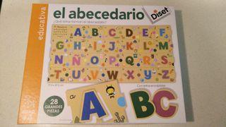 Puzzle del abecedario de madera