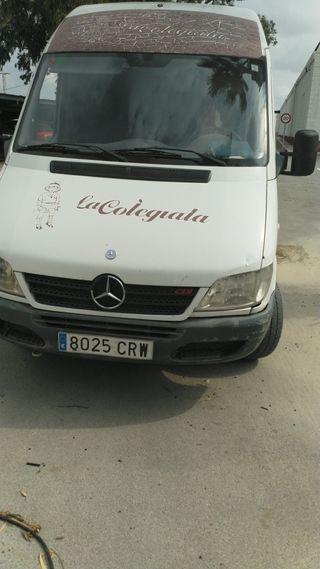 Mercedes-Benz Sprinter 2004