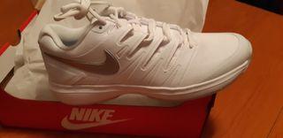 Zapatillas de padel Nike Air Zoom de mujer.