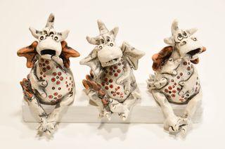 Figura de cerámica artesanal con forma de dragón