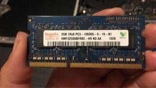 Memoria RAM 2gb PC3 10600s dos piezas